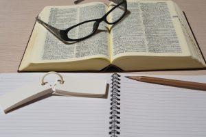 動詞と前置詞の知識を活かした効率の良いイディオム(熟語)の暗記法