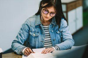 【3分で英語リスニング力アップ】TOEICにも効果的!リスニング力を上げる英語練習法