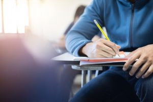 【TOEFLライティング対策】添削サービスはこう使え!(現役講師の記事)
