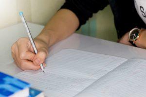 【試験対策】英語のライティング試験で役立つシンプルなポイント