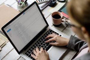 ビジネスの世界と英語ーその3. 「電子メールの規則を覚えよう!」