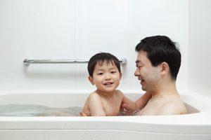 【海外文化を学ぼう!】アメリカ人は子供とお風呂に入らない!?