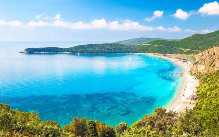 ネイティブ講師Priya先生の英語記事を読もう!My trip to Montenegro!