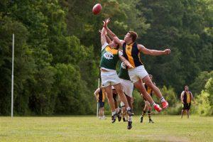 実はオーストラリアで一番人気のスポーツ、 Aussie Football!